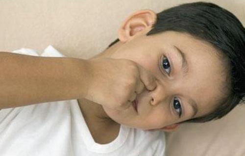 鼻出血可能出现哪些症状