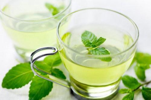 薄荷茶消除夏季胃胀