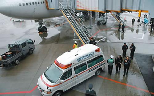 卫计委谈南航急救门:不得推诿拒绝患者