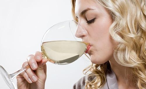 高血压更偏爱抽烟酗酒的人