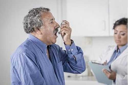 哮喘应该如何进行治疗?