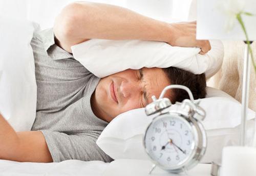 起床依赖闹钟 警惕高血压
