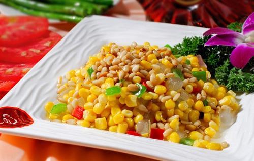 多吃松仁玉米可以防止眼睛老化