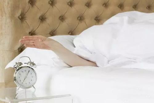 四大减寿的睡觉方式
