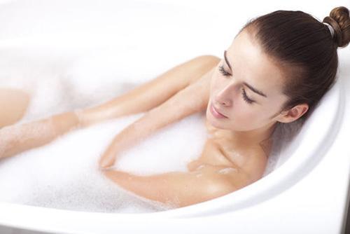 冬季泡澡需要注意的事儿