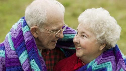 这些老人冬季防寒不要穿保暖内衣