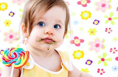 宝宝吃甜食带来的危害