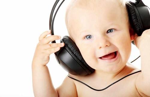 婴儿听音乐可以陶冶情操