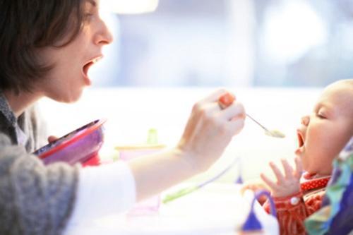 孩子吃饭须知的四大恶习