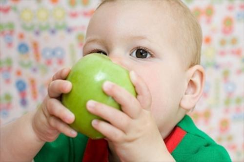 一岁宝宝适合吃这些水果