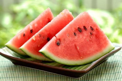 夏季宝宝要吃适合自己的水果