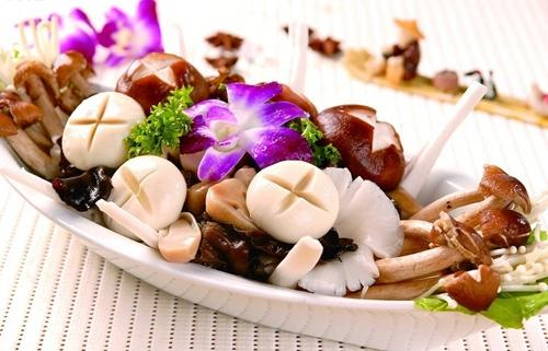 夏季老人养生适宜吃四类食物