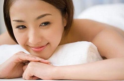产后滋养头发的方法
