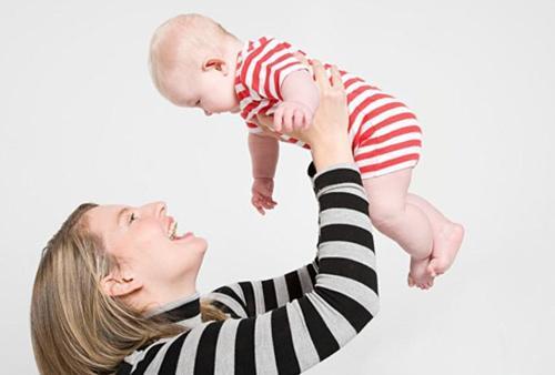 宝宝太缠人会影响性格的形成!