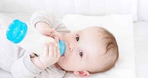 家长要重视宝宝换奶粉