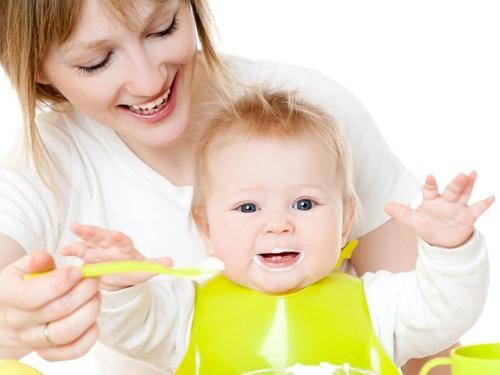 家长开发三个月宝宝智力的四个方面