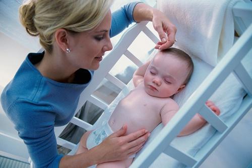 婴儿床位置选好宝宝才能更安全