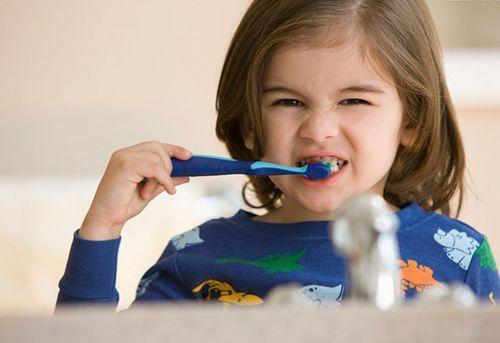 儿童要掌握的正确刷牙方法