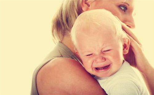 宝宝出现烦躁不安可能是这些原因导致