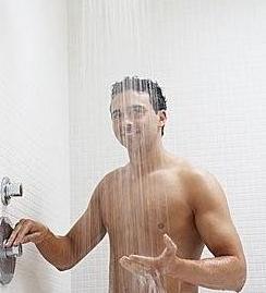 男人提升啪啪啪能力可以靠洗澡