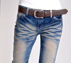 女生长期穿牛仔裤,紧身裤容易引起阴道炎感染