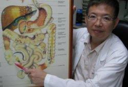 右下腹疼痛致连续发烧证实患盲肠腺癌第二期