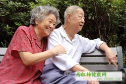 老人尿失禁怎么办  教你穴位按摩改善尿失禁