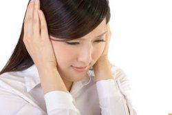 耳朵长痘痘是什么原因 与体内肝火旺盛有关