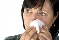 老人眼睛经常流泪也就是俗称流眼油症状