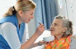 吞咽困难是怎么回事 老年人吞咽困难怎么办