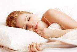 睡眠呼吸中止症经常出现半夜喉咙干醒、痛醒