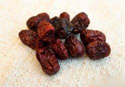 红枣不宜与鱼同食否则引发过敏症状